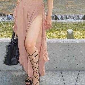 Long flowery slit skirt
